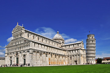 Pisa, piazza dei miracoli e torre pendente