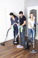 Reinigungsfirma beim Putzen