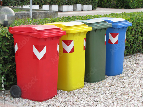 Recycling trash bins