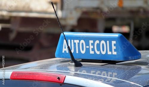 Enseigne de toit de voiture ' auto-école '