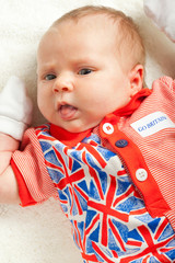 Little Brtitish fan: newborn girl wearing British symbol clothes