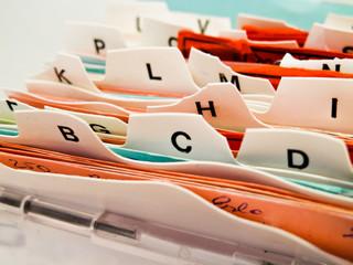 alphabetische Karteikarten. Kundendaten in ABC