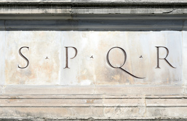 S.P.Q.R. Senatus Populusque Romanus, Roma