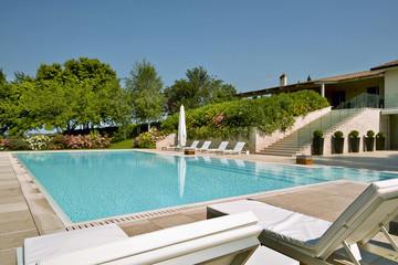 piscina scoperta in villa