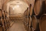Fototapety Barriles de vino en la bodega
