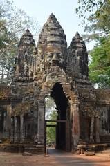 Puerta sur de Angkor Thom . Camboya