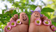 Happy togehter: Feet in springtime