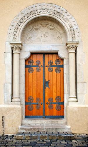 Antik Door