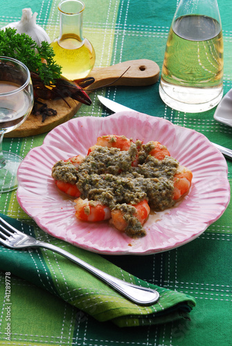 Gamberi in salsa di capperi Shrimps in capers sauce