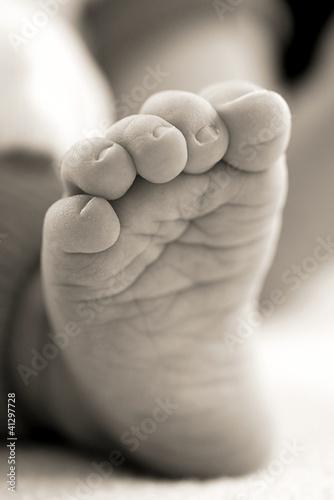 Fototapeten,baby,kopf,newborn,schwarzweiß