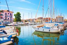 "Постер, картина, фотообои ""Beautiful scene of boats in Grado, Italy"""
