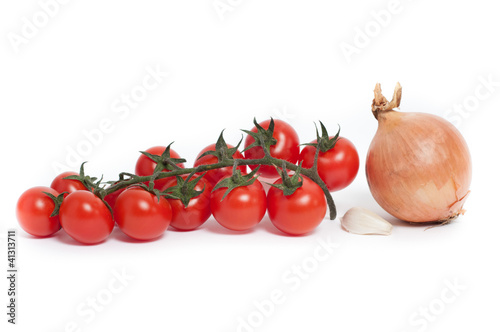 Cherry tomatoes with onion and garlic_pomodori,cipolla e aglio