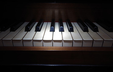 Piano Keyboard in spotlight