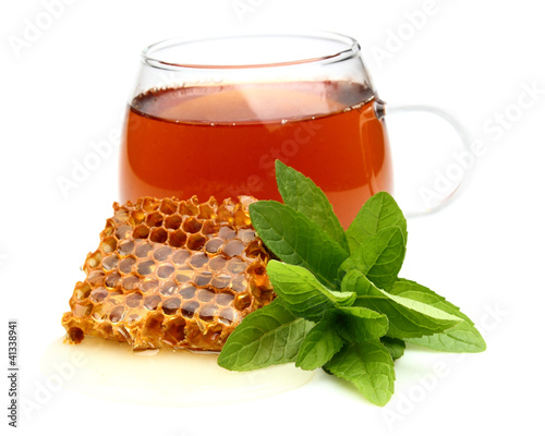 Tea with honey and mint