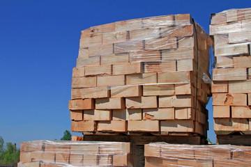 Building bricks on pallets