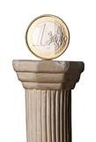Euromünze auf griechischer Säule