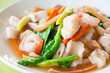 Seafood and Noodles in a Creamy Sauce : Guaitiao Rad Na