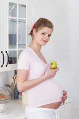 Pregnant woman and healthy food