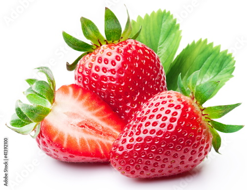 Strawberries with leaves. - 41392100