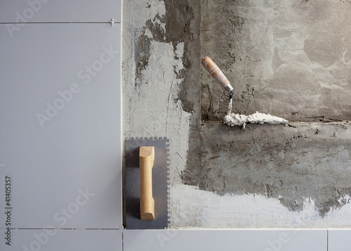 Poster construction tools notched trowel with mortar