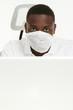Doktor mit Mundschutz