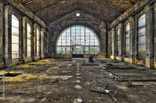 Leinwanddruck Bild Beautiful glass wall inside the hall of an abandoned coal mine