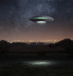 Leinwanddruck Bild - Ufo at night