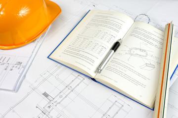 Elmetto e progettazione di cantiere