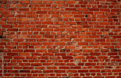 czerwony-mur-z-cegly