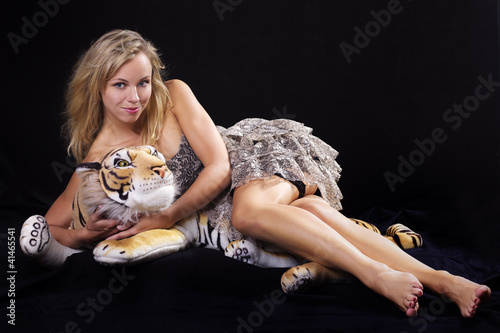 Blond woman with Tiger III