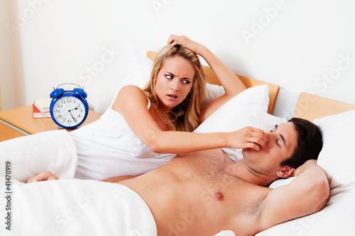 Schnarchen beim Schlafen