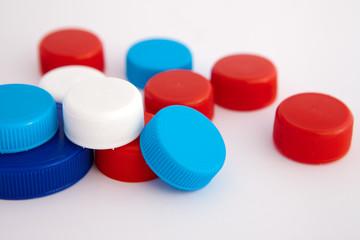 Tapones de plástico de varios colores