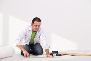 Laying flooring at home - the insulation layer