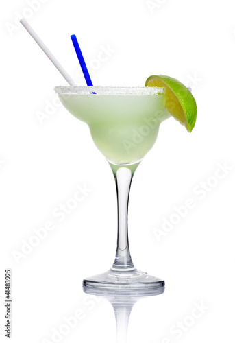 Alcohol cocktail 'margarita' isolated on white