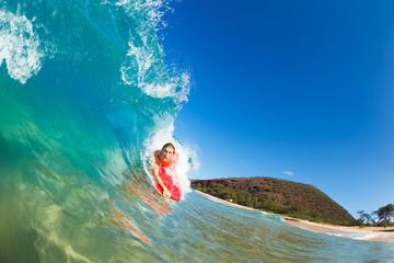 Boogie Boarder Surfing Amazing Blue Ocean Wave