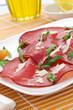 Bresaola con rucola, olio e parmigiano
