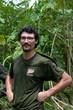 Biologe im Regenwald