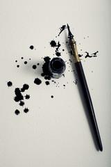 Schizzi di inchiostro e penna stilografica