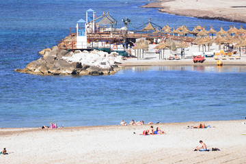 Spiaggia e bagnanti sulla costa trapanese