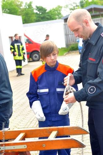 Leinwanddruck Bild Jugendfeuerwehr Übung