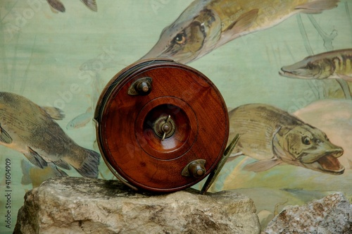 Large Wooden Fishing Reel