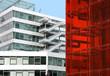 Bürogebäude / rot verglast