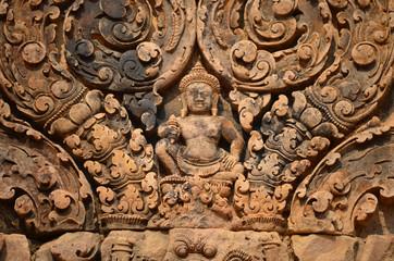 Detalle de uno de los relieves del templo de Banteay Srei