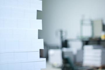 Papierstapel im Versand