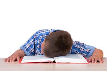 Kind beim Lesen eingeschlafen