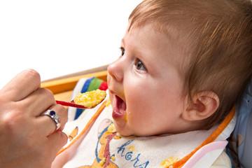 bimbo che mangia la pappa