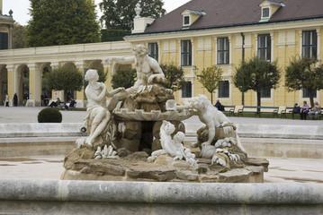 Brunnen am Schloss Schönbrunn