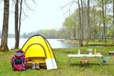 Fototapety 湖畔のキャンプ風景