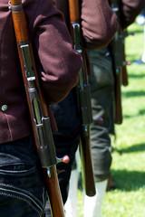 Gebirgsschützen mit Gewehren