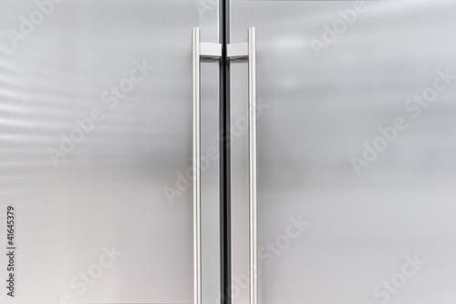 Puertas de aluminio de un frigorifico